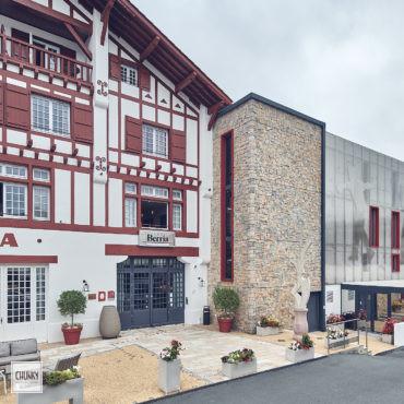Réhabilitation du trinquet hôtel Berria à Hasparren 2