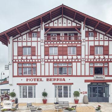 Réhabilitation du trinquet hôtel Berria à Hasparren 12