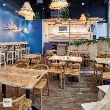 Mobilier sur-mesure et concept éclairage pour le projet d'aménagement d'un restaurant indonésien à Saint-Pierre d'Irube, dans la galerie du centre commercial Ametzondo