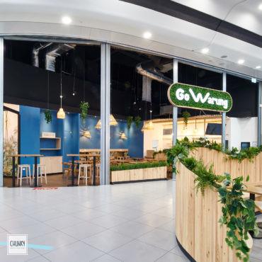 Focus terrasse et accueil sur-mesure pour le projet d'aménagement d'un restaurant indonésien à Saint-Pierre d'Irube, dans la galerie du centre commercial Ametzondo